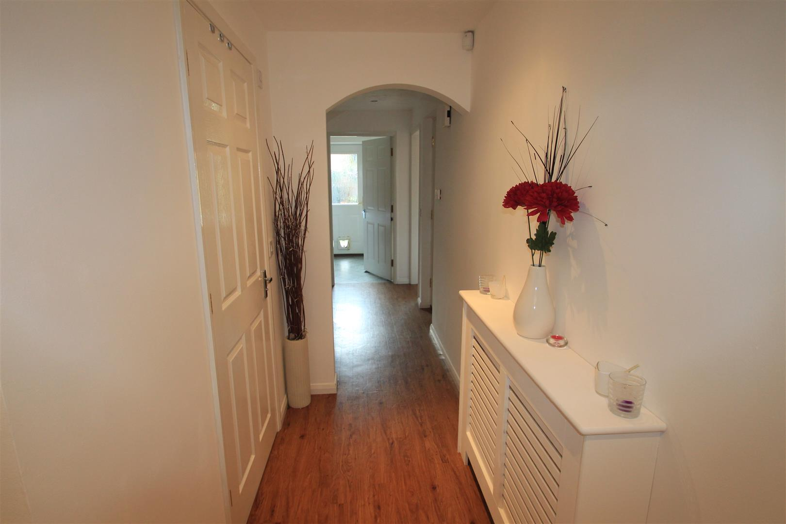 3 Bedrooms Semi Detached House for sale in Strathern Road, Leicester